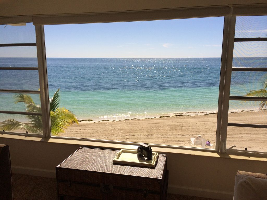 Awesome ocean front condo private white sa vrbo for Oceanside pier fishing reports