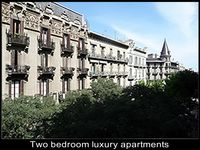 Beautiful, bright, well-kept, centrally located apartment within walking distance of most sights.