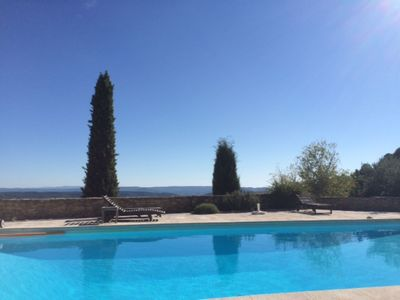Photo for Fabulous 6 bed property outside Cucuron, with heated pool