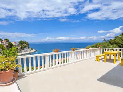 Photo for Seafront Villa with Stunning View!