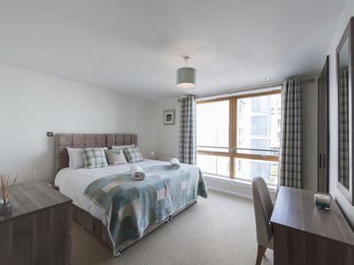 Photo for Luxury 2 bedroom City Centre Apartment (with lift, underground parking, wifi)