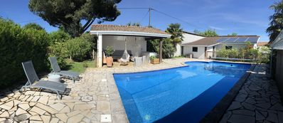 Photo for Villa 10 to 12 people, salt pool heated and secure, very quiet