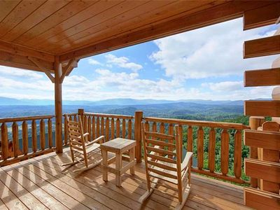 Photo for Shooting Star at Legacy Mountain| Mountain View| WiFi| Close to Dollywood & Pigeon Forge| Hot Tub