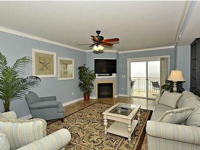Oceanfront on Boardwalk, Sleeps 14! - Pool, WiFi & Beautiful Views