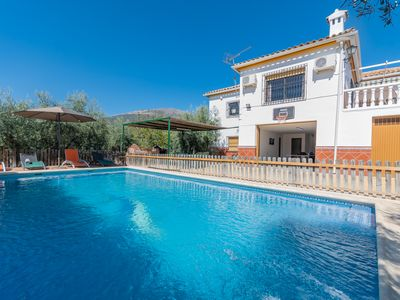 Photo for Low cost house, incredible location in the center of Andalucia, AC, WIFI, 12 pax.