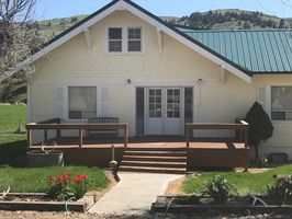 Photo for 4BR Farmhouse Vacation Rental in Fossil, Oregon