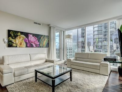 Luxurious condo in the heart of downtown Montreal