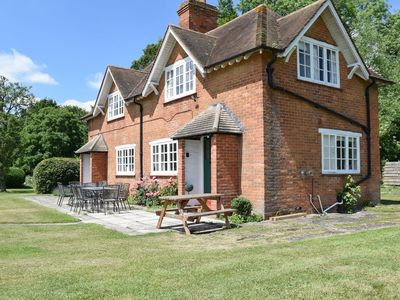 Photo for 5 bedroom accommodation in Charney Bassett, near Wantage