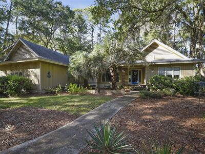 Photo for Relaxation hub, pet friendly, 4 bedrooms, 4 baths located in Shipyard Plantation!