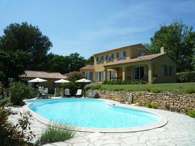 Photo for Comfortable villa with pool foot luberon, near Lourmarin