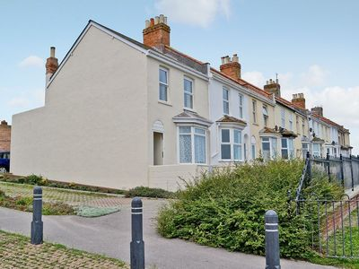 Photo for 2 bedroom property in Weymouth. Pet friendly.