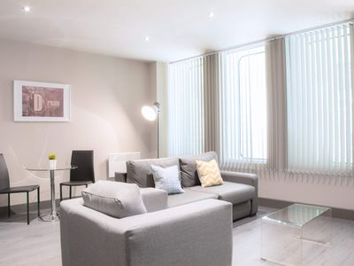 Photo for Luxury One Bedroom City Centre Apartment