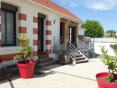 Photo for 4 bedroom Villa, sleeps 8 in Royan with WiFi