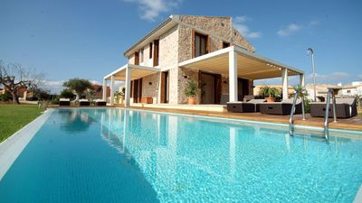 Photo for Luxury villa with pool and jacuzzi for 16, just 150 meters from the sea, WIFI, AC
