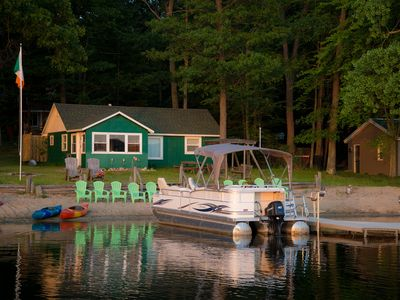 Beach Front Cottage On Family Friendly Pretty Lake. Sunsets, Fishing And Fun!
