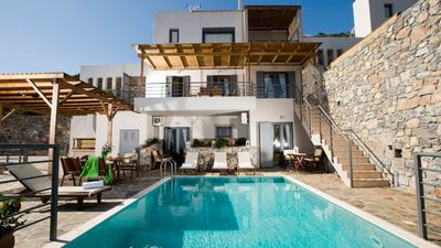 Photo for Stylish villas for 6 persons