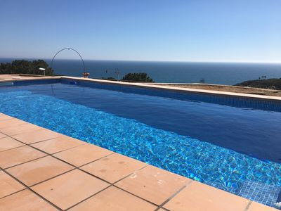 Large pool with sea view
