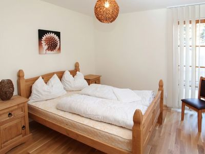 Photo for 3 bedroom Apartment, sleeps 8 with Pool, WiFi and Walk to Shops