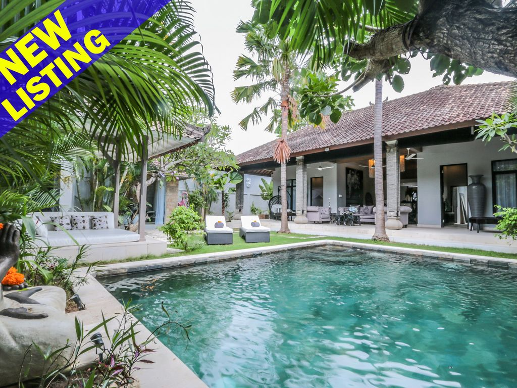 Bali Luxury 2 Bedroom Villas Dv23, Designer New Luxury 2 Bedroom Villa On U201ceat Streetu201d, Seminyak