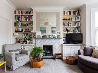 Photo for Tasteful, 2 bed family apartment in Battersea
