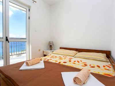 Photo for Two bedroom apartment with balcony and sea view Baška Voda, Makarska (A-6761-c)