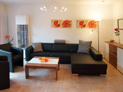 Photo for Holiday house, 2 x shower / WC, guest toilet, 3 bedrooms - semi-detached house Juist