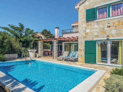 Photo for 4 bedroom Villa, sleeps 8 in Pražnice with Pool, Air Con and WiFi