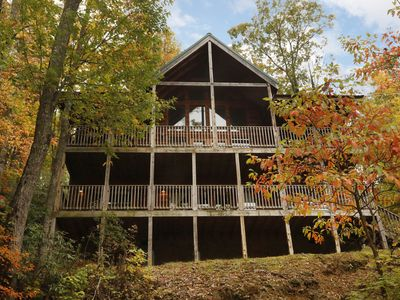 Photo for 4 Bedroom Gatlinburg Cabin Convenient to Downtown Ski Mountain Road