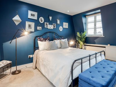 Photo for Camden | 5 Bedroom | Victorian Townhouse