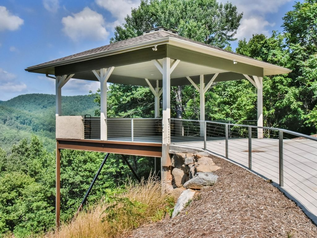 Property Image#30 SKYTOP CHALET as seen on DIY Network Mountain Top Paradise! 5BR & SKYTOP CHALET as seen on DIY Network Mountain Top Paradise! 5BR ...
