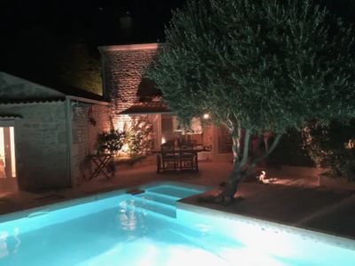 Photo for Charming farmhouse with swimming pool, near ocean