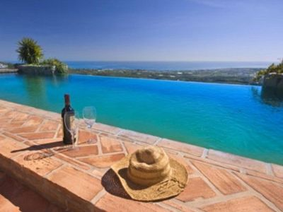 Photo for Luxurious farmhouse with private infinity pool, 180° views on the Mediterranean