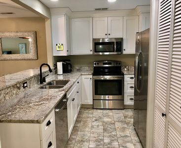 Photo for Gorgeous 3 Bedroom, 3 Bath Updated Queens Grant Unit