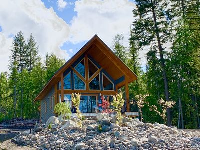 Photo for Driftwood Chalet overlooking Shuswap Lake, perfect for couples!