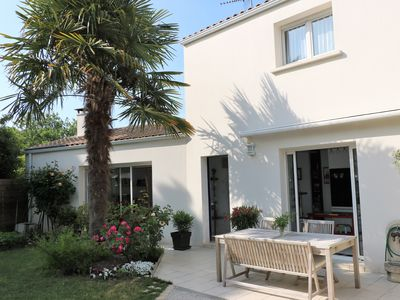 Photo for Charming house with swimming pool in the heart of La Rochelle