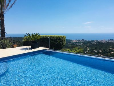 Photo for Villa Infinity with infinity swimmingpool, free WIFI and seaview.