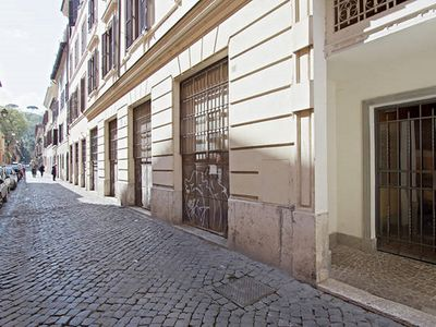 Photo for BEAUTIFUL TRASTEVERE, A TRUE ROMAN FAMILY HOSTS YOU!