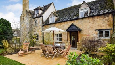 Photo for Archers, Sudeley Castle, Cotswolds - sleeps 8 guests  in 4 bedrooms
