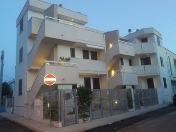 """LA VELA"" apartments - in the center a few steps from the sea"