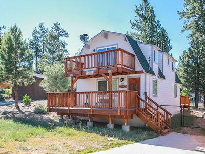 Photo for Five Pines - FREE Kayak/Bike Rental! - 2BR/2BA/Free WiFi/Satellite TV/Hot Tub