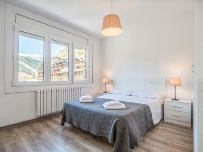 Photo for Nice 3 Bedroom Apartment for 6 people, Incles. C.PEP 2