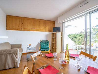 Photo for Lovely apartment for 6 guests with WIFI, TV and parking