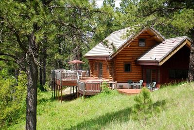 Timber Ridge Cabin nestled in the Black Hills
