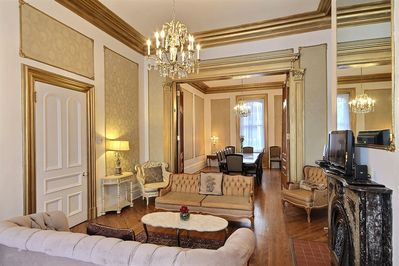 Suite Versailles - Grand Living Room