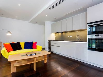 Photo for Contemporary 1 BR in beautiful Fulham complex. Located on the river (Veeve)