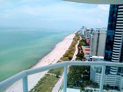 Photo for Beautiful 3 bedroom fully furnished apt 24th floor in Miami Beach.