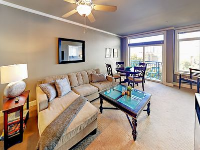 Living Area - Welcome to Seattle! This condo is professionally managed by TurnKey Vacation Rentals.