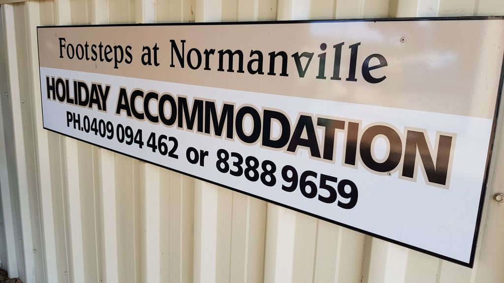 Footsteps Cottage at Normanville- Pet friendly
