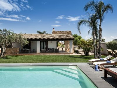 Photo for Modern villa with private pool located only 250m from the beach