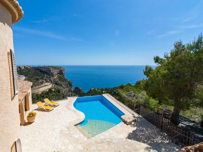Photo for Beautiful holiday home 6p with infinity pool, phenomenal sea view